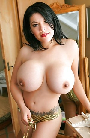 Hot Tit Galleries